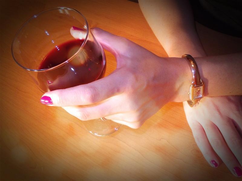 Kliknite za sliku za veću verziju  Ime:Crno vino i sat.jpg Viđeno:149 Veličina:324,1 KB ID:77784