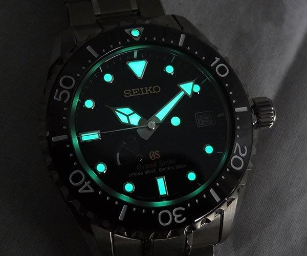 Kliknite za sliku za veću verziju  Ime:4 Grand Seiko Spring Drive Diver SBGA031.jpg Viđeno:289 Veličina:128,4 KB ID:77940