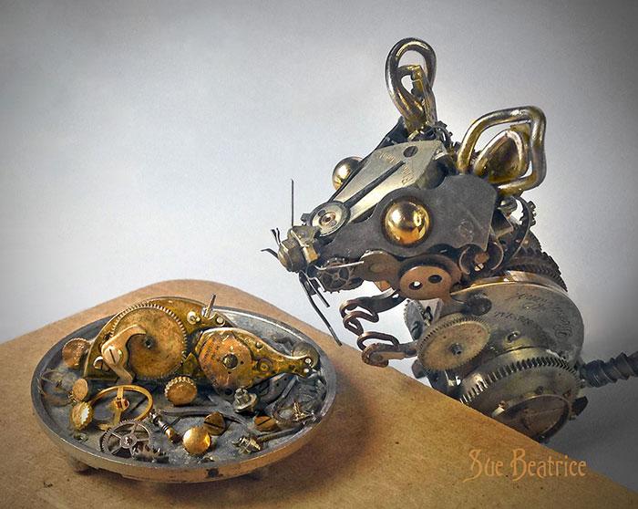 Naziv: AD-Recycled-Watch-Parts-Sculptures-Vintage-Antique-Susan-Beatrice-04.jpg, pregleda: 83, veličina: 92,1 KB