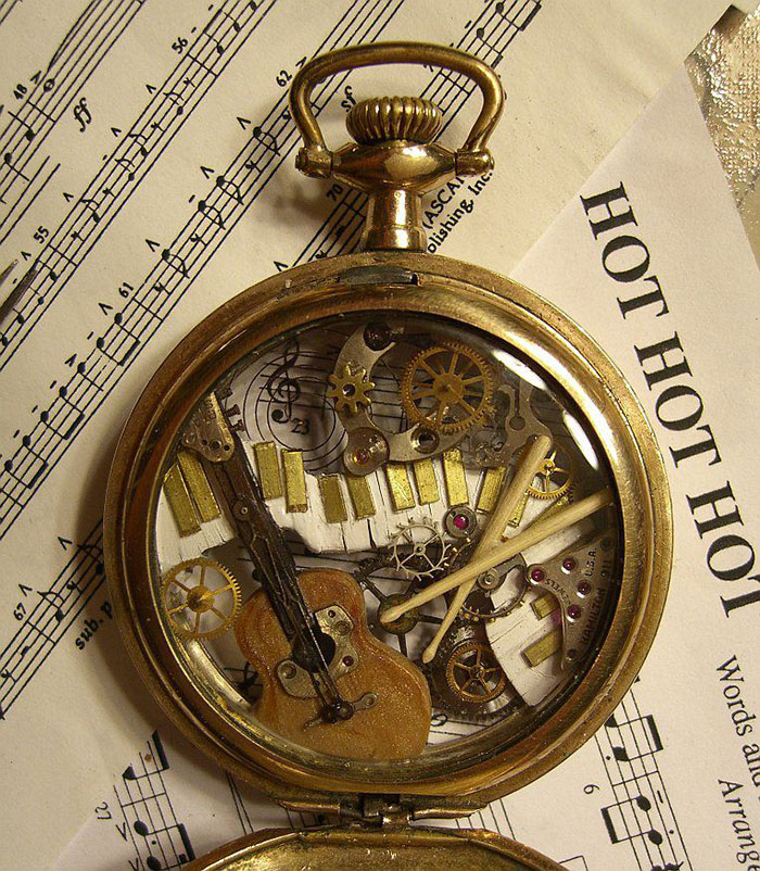 Naziv: AD-Recycled-Watch-Parts-Sculptures-Vintage-Antique-Susan-Beatrice-05.jpg, pregleda: 84, veličina: 213,9 KB