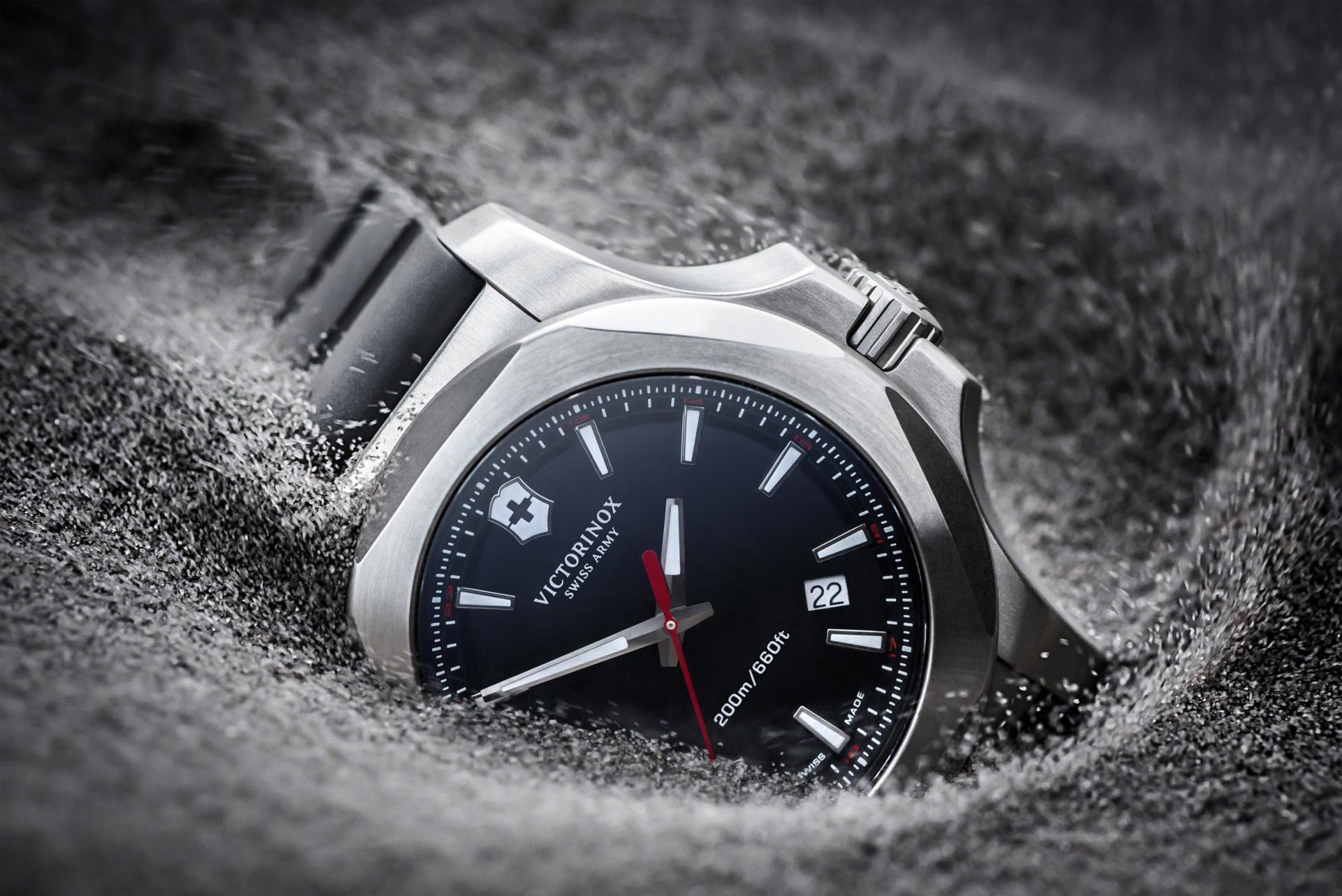 Naziv: Victorinox-Swiss-Army-INOX-watches-2.jpg, pregleda: 177, veličina: 271,4 KB