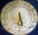 Vremenske zone, sistemi vremena i GMT satovi-sundial.jpg