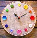 Satovi u raznim oblicima-sat-od-dugmica-napravite-sami-1.jpg