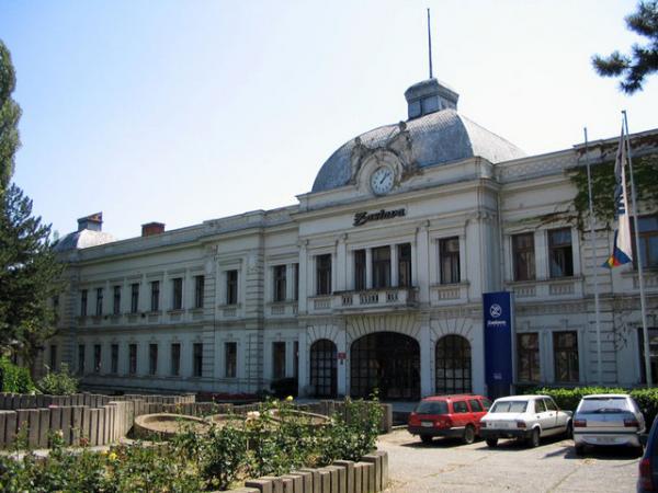Naziv: Upravna-Zgrada-Kragujevac-Sat.jpg, pregleda: 1075, veličina: 43,9 KB