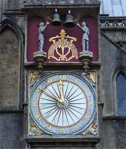 Kliknite za sliku za veću verziju  Ime:510px-Wells_cathedral_north_clock_(cropped).jpg Viđeno:992 Veličina:59,8 KB ID:82095