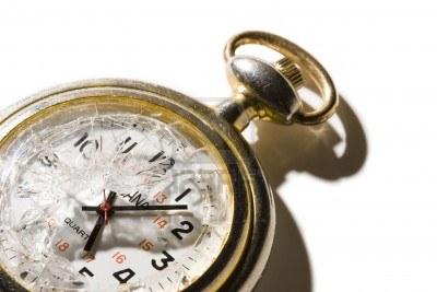 Naziv: pocket-watch-with-a-broken-crystal.jpg, pregleda: 164, veličina: 25,1 KB