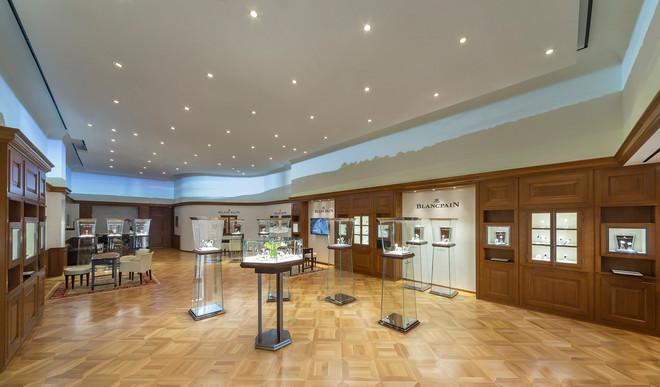 Naziv: Blancpain-boutique-645-Fifth-Avenue-2-thumb-660x387-23666.jpg, pregleda: 244, veličina: 77,5 KB