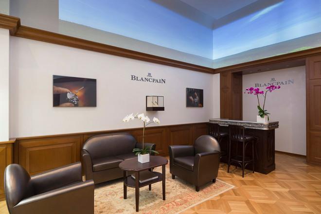 Naziv: Blancpain-boutique-645-Fifth-Avenue-3-thumb-660x440-23668.jpg, pregleda: 242, veličina: 77,3 KB
