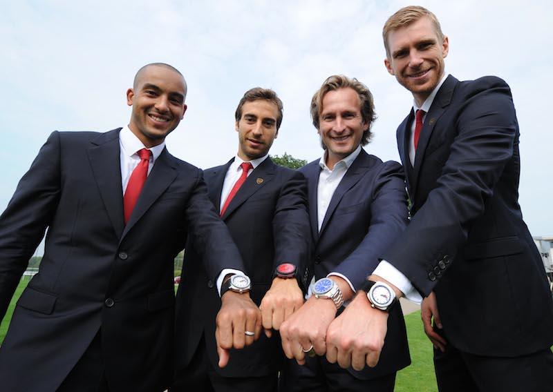 Naziv: JEANRICHARD&Arsenal_T.Walcott_M.Flamini_B.Grande_P.Mertesacker.jpg, pregleda: 100, veličina: 57,6 KB
