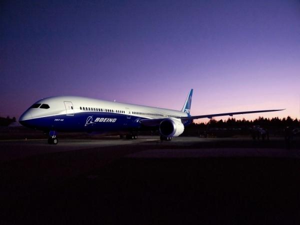 Naziv: Bremont-Boeing-partnerstvo-avioni-satovi-1.jpg, pregleda: 47, veličina: 50,9 KB