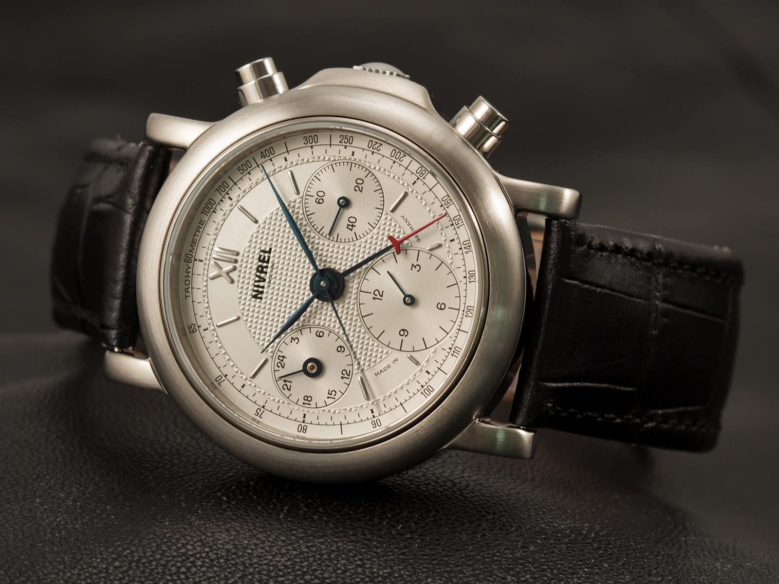 Naziv: Nivrel-Heritage-Chronographe-Minutes-satovi-1.jpg, pregleda: 107, veličina: 193,8 KB