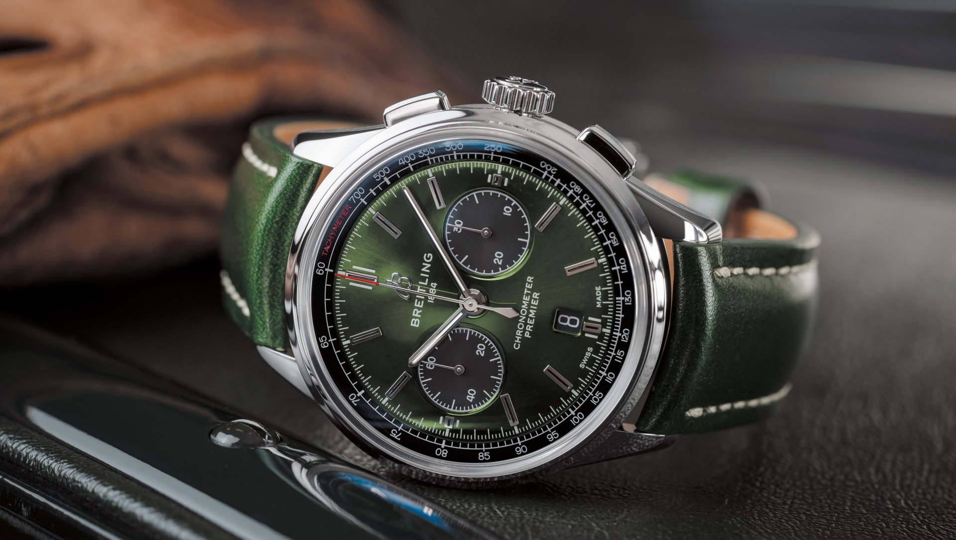 Naziv: 01_premier-b01-chronograph-42-bentley-british-racing-green-with-a-british-racing-green-leather-s.jpg, pregleda: 205, veličina: 254,5 KB